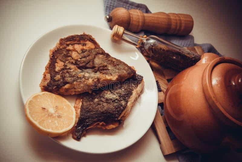 Download Platija asada imagen de archivo. Imagen de pescados, británico - 64213289
