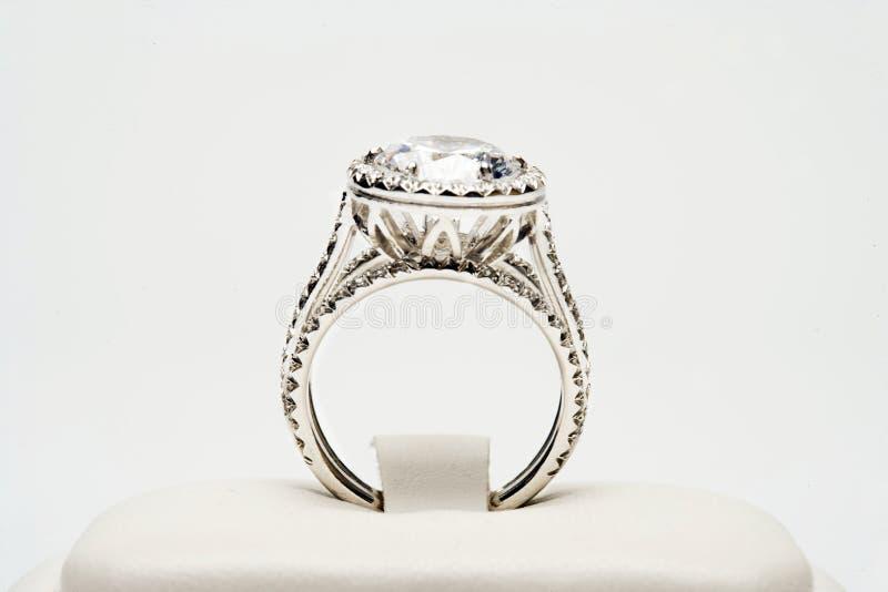 Platina Diamond Ring royaltyfria foton