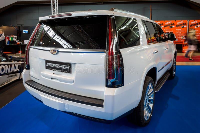 Platina luxuosa sem redução de SUV Cadillac Escalade, 2017 fotografia de stock royalty free