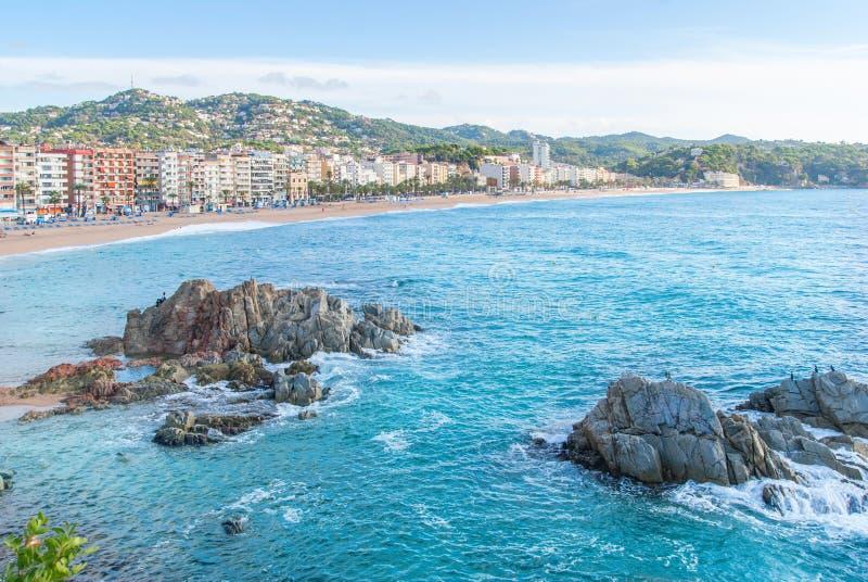 Platja Fenals Fanals海滩在卡塔龙尼亚希罗纳西班牙的肋前缘的Brava略雷特德马尔 库存照片