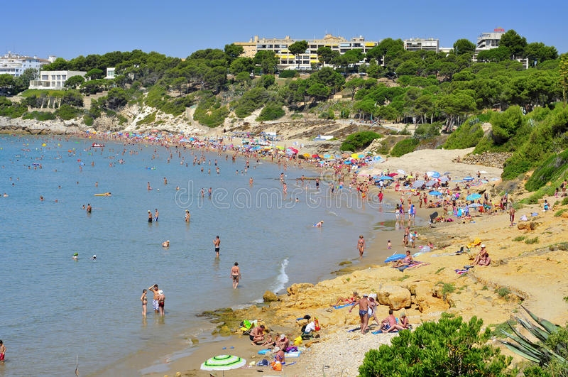 Platja Llarga strand, i Salou, Spanien royaltyfri fotografi