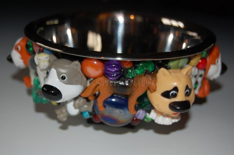 Plato caliente del perro del diggity para un perro del perro chino imagen de archivo libre de regalías