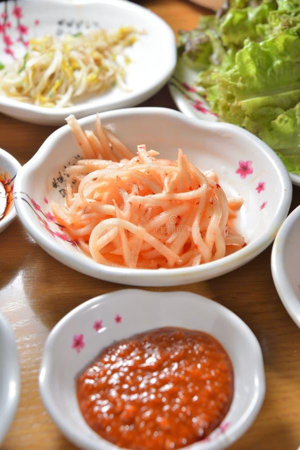Plato coreano del kimchi foto de archivo