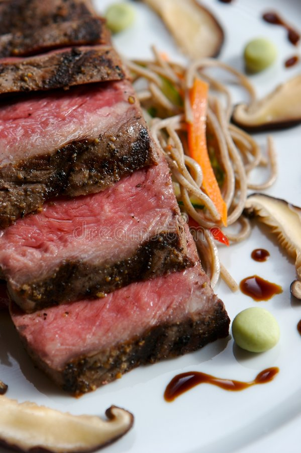 Plato de la carne de vaca foto de archivo
