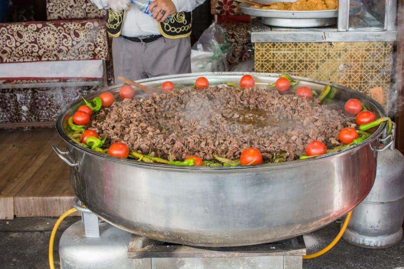 Plato de la carne hecho en estilo turco foto de archivo