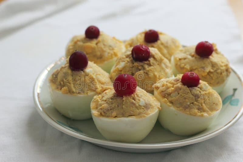 Plato festivo de huevos fotografía de archivo