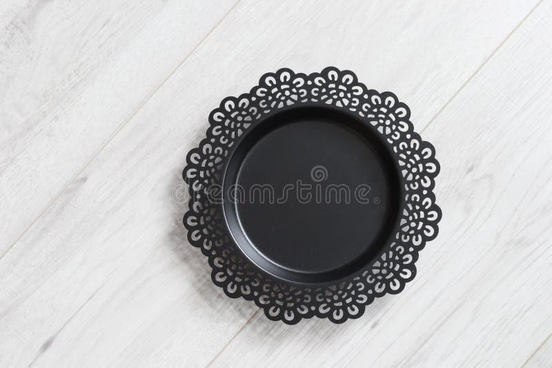 Plato negro del metal fotos de archivo libres de regalías