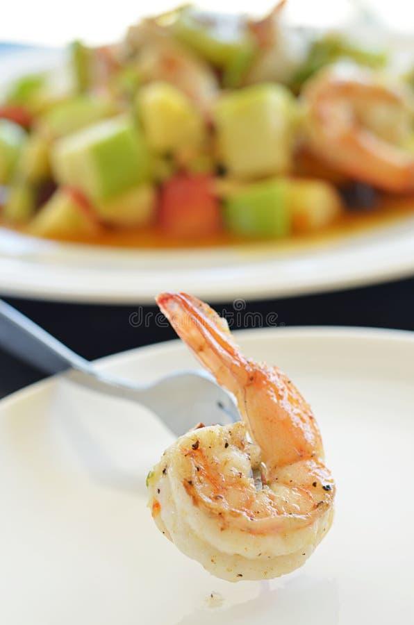 Plato picante de la ensalada del camarón fotografía de archivo libre de regalías