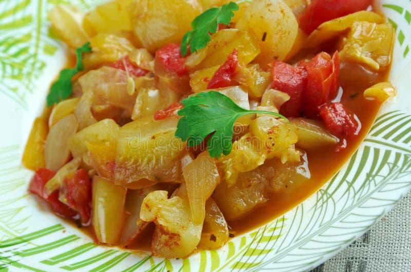 Plato turco de verduras imagen de archivo