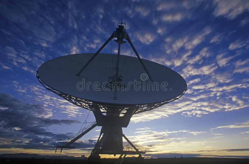 Platos del telescopio de radio en el observatorio nacional de la radioastronomía en Socorro, nanómetro fotos de archivo