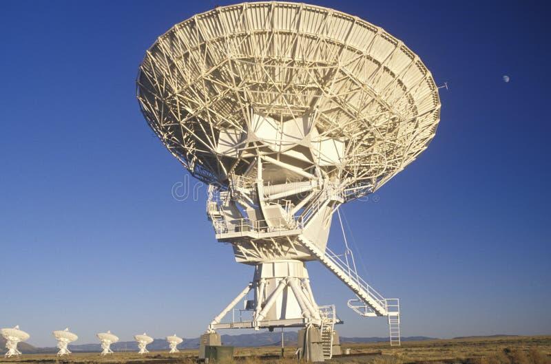 Platos del telescopio de radio en el observatorio nacional de la radioastronomía en Socorro, nanómetro imagen de archivo libre de regalías