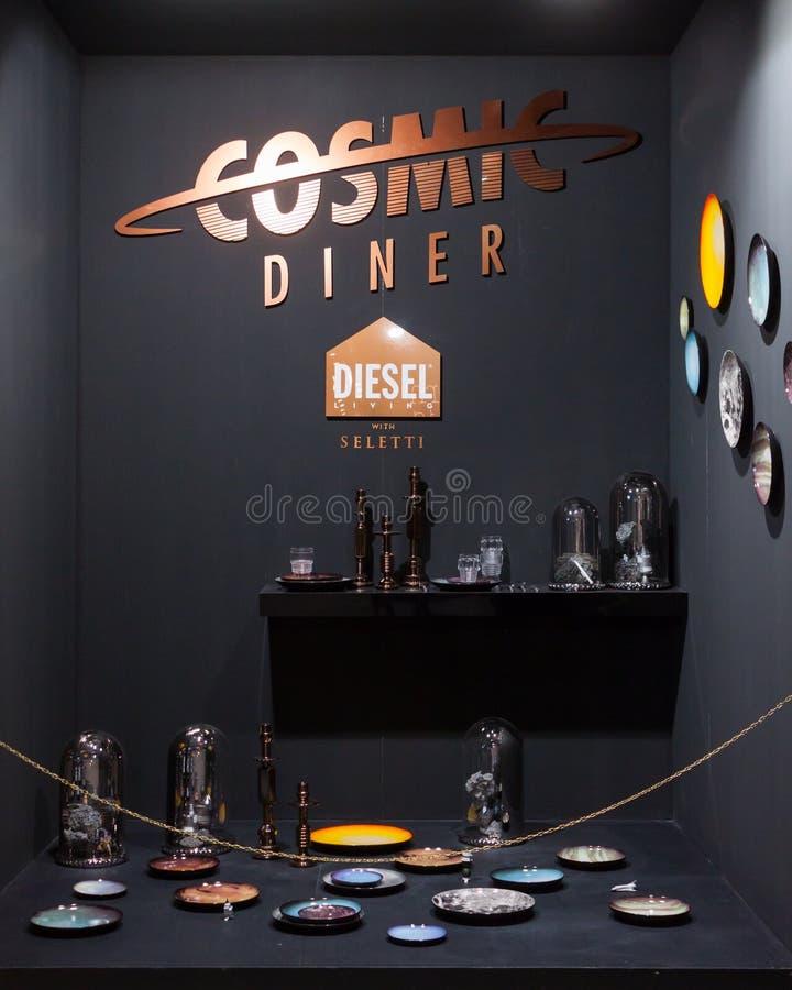 Download Platos Y Cubiertos Diesel En La Exhibición En HOMI, Demostración Internacional Del Hogar En Milán, Italia Imagen editorial - Imagen de negocios, diseño: 44856265