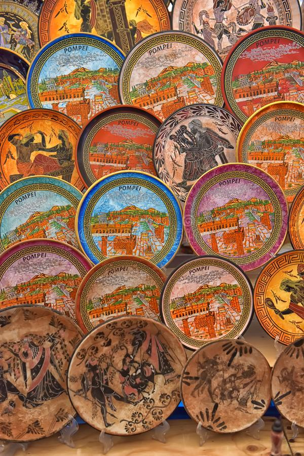 Plats antiques de souvenir en vente image libre de droits