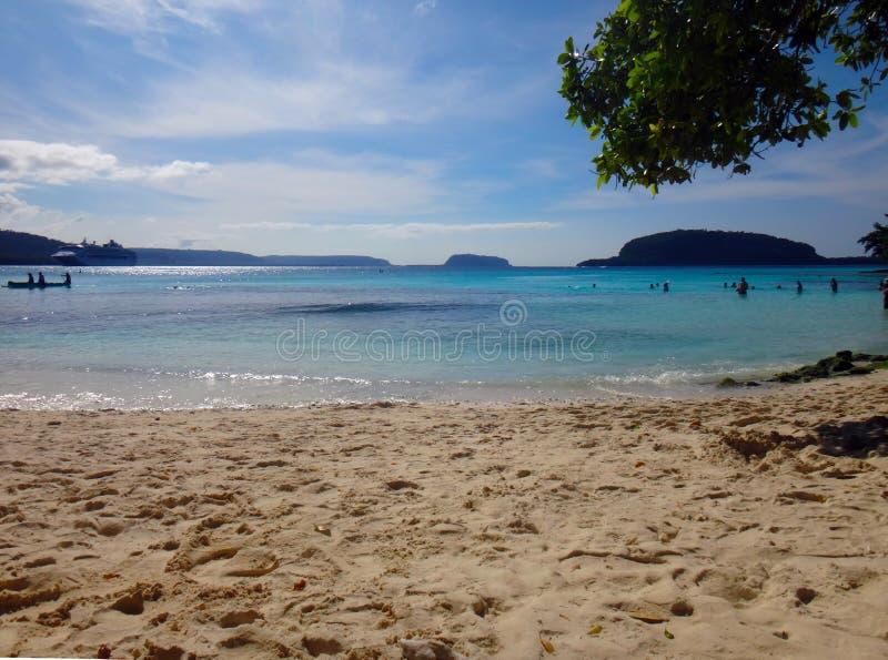 Plats av Champagne Bay, Espiritu Santo, Vanuatu royaltyfri foto