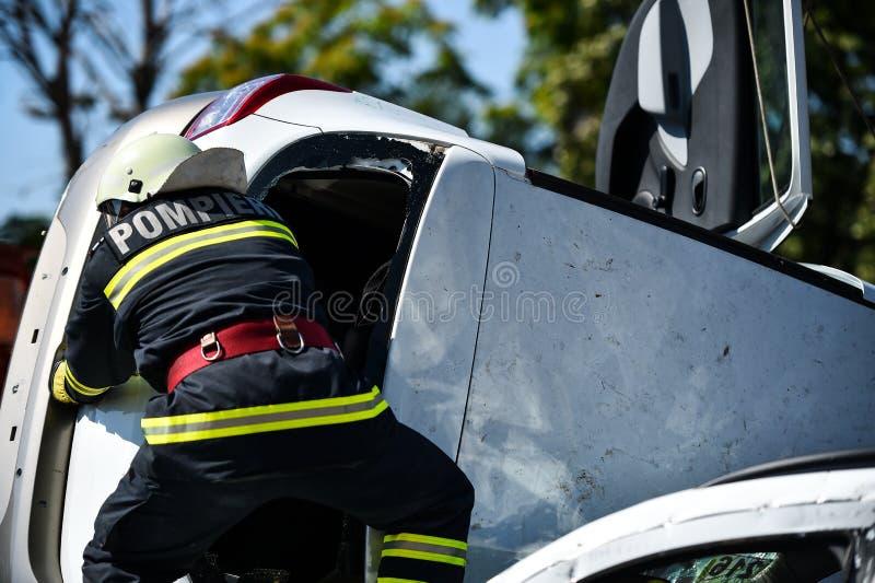 Plats av en räddningstjänst för bilkrasch och nödläge royaltyfria foton