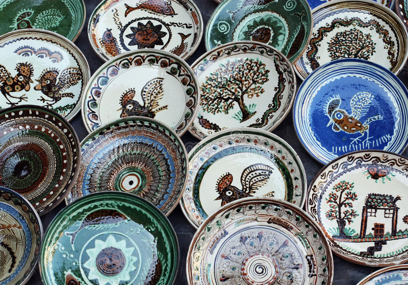 Plats en céramique de Horezu photos stock