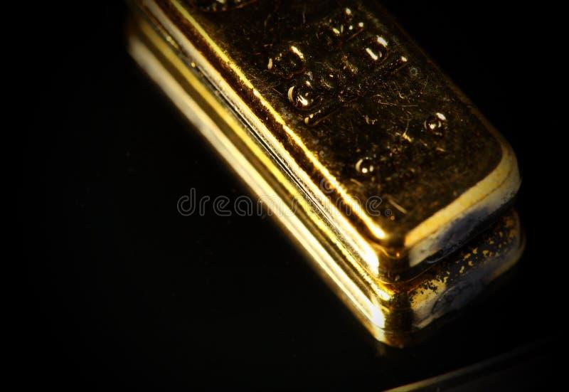 Plats för guld- stång royaltyfria foton