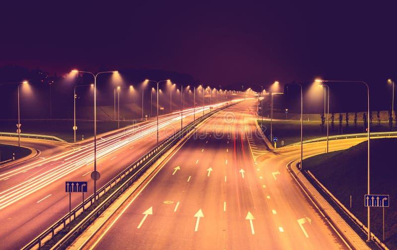 Plats för natt för stadsväg arkivbilder