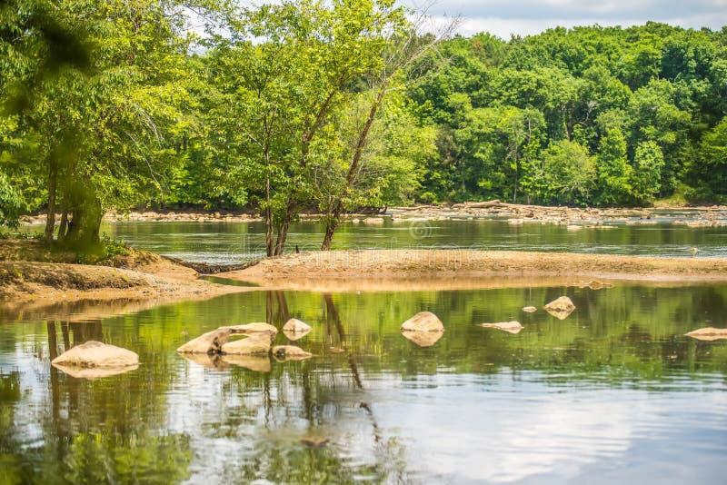 Platser runt om landsfordkanaldelstatspark i South Carolina arkivbilder
