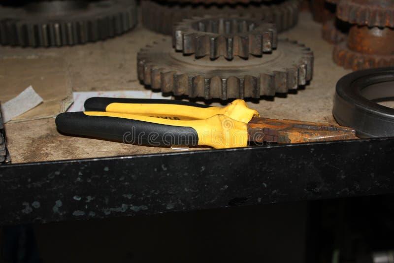 Plattång för kugghjul för järnrostmekanism royaltyfri foto