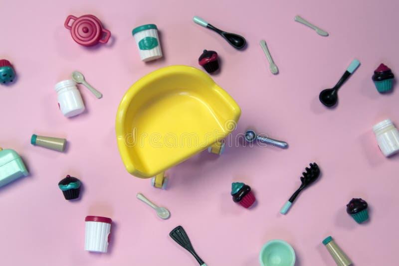 68 Plast Rosa Stol Foton Gratis och royaltyfria stockfoton