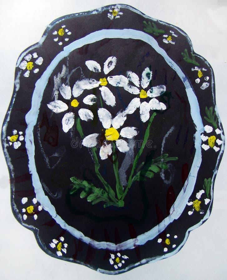 Platta med blommamodellen som m?las av barnet royaltyfria foton