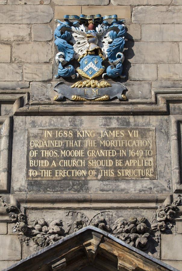 Platta på Canongate Kirk i Edinburg arkivbilder