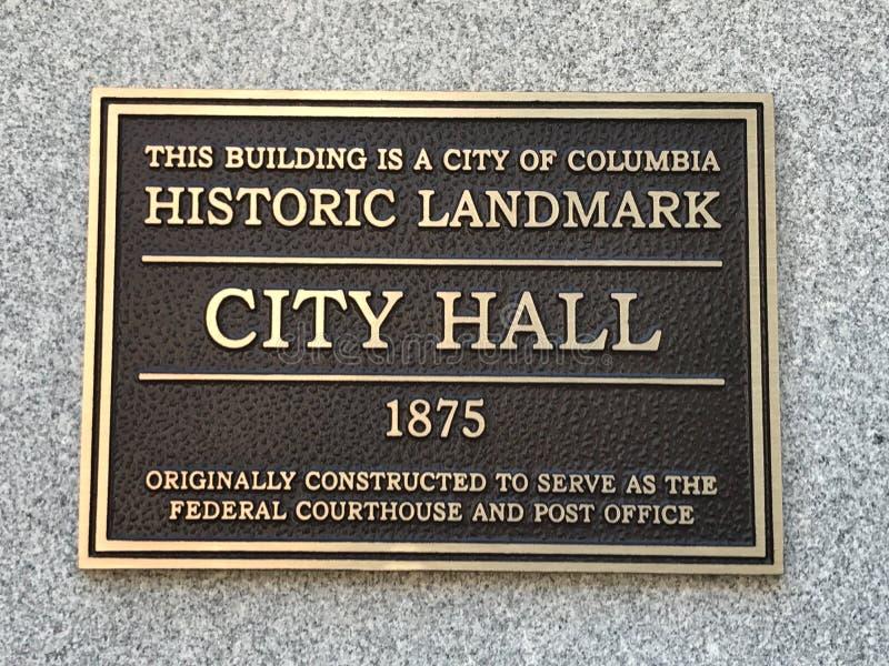 Platta som indikerar Columbiaen, SC-stadshus som designeras som en historisk gränsmärke royaltyfri bild