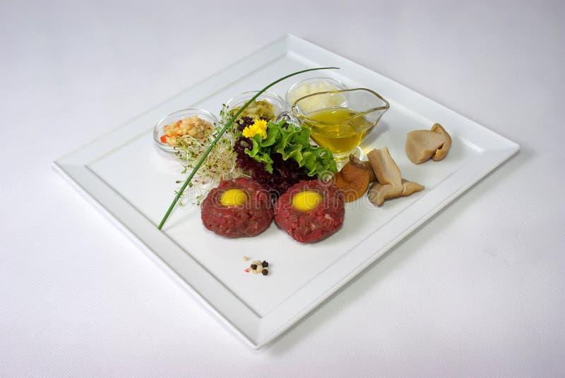 Platte der feinen speisenden Mahlzeit stockfotos