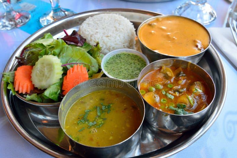 Platte indischen Tellerlamm tikka masala lizenzfreie stockfotos