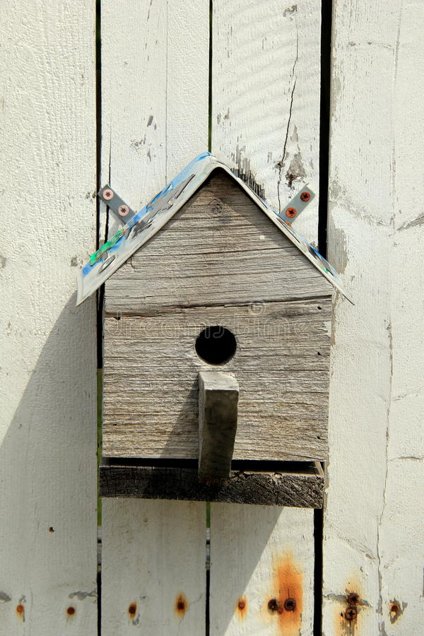 Plattelander weinig vogelhuis royalty-vrije stock foto