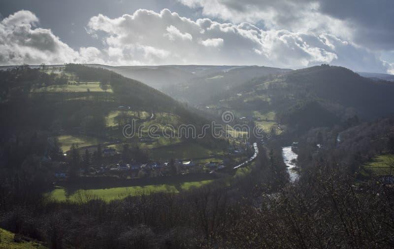 Plattelandsheuvels in Mist royalty-vrije stock foto