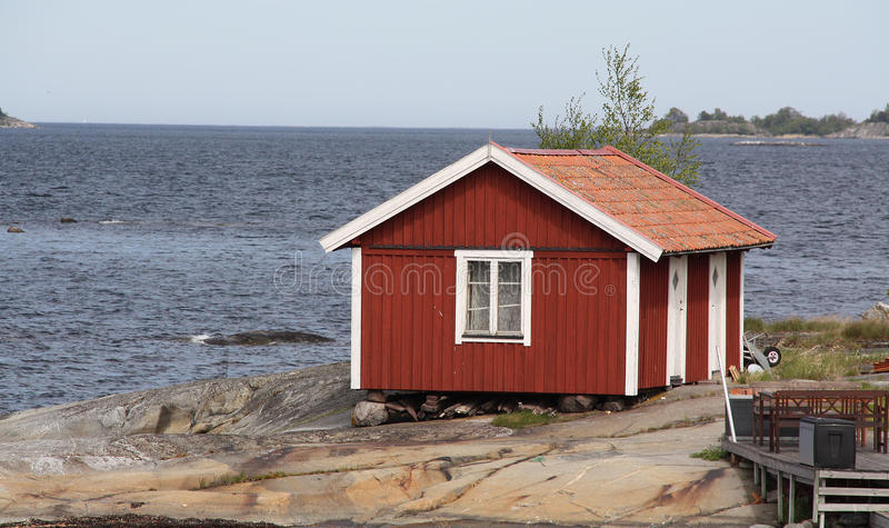 Plattelandshuisje in archipel stock afbeelding