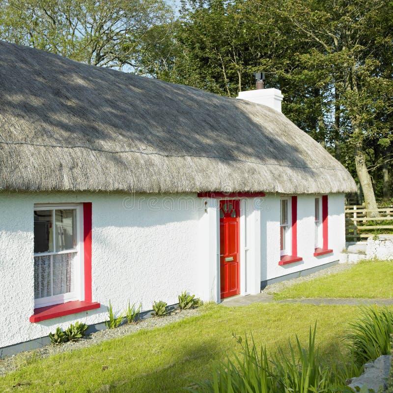 Plattelandshuisje, Ierland stock fotografie