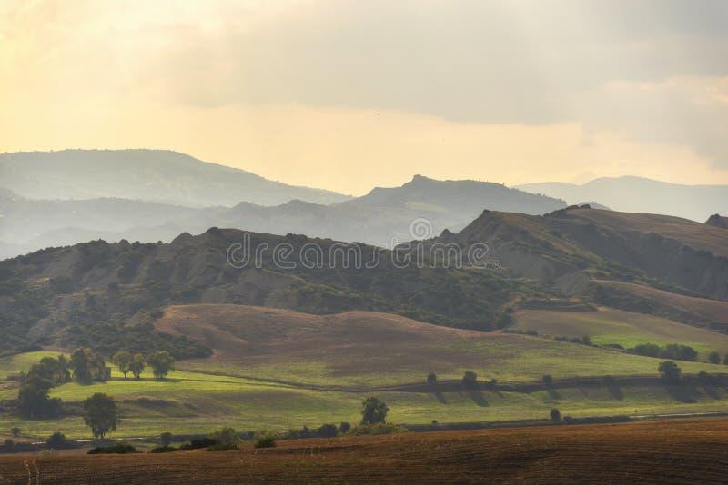 Plattelandslandschap in Val D ` Agri, Basilicata stock fotografie