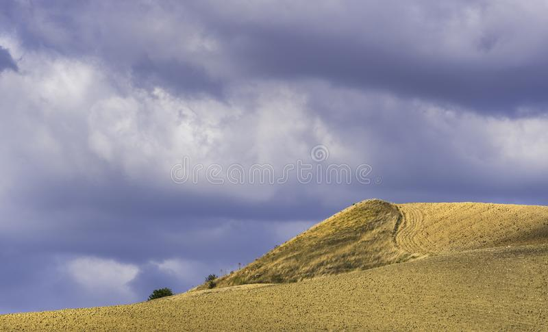 Plattelandslandschap in Val D ` Agri, Basilicata stock afbeeldingen