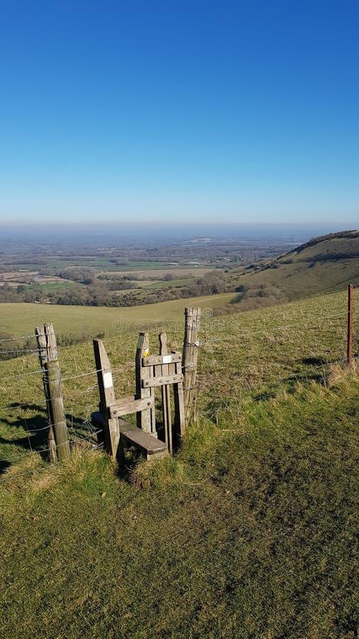 Plattelandspoort op Sussex Southdowns in Engeland stock foto