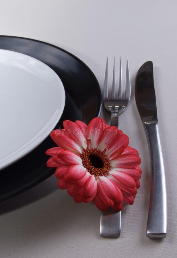 Platten mit Gabel und Messer stockbilder