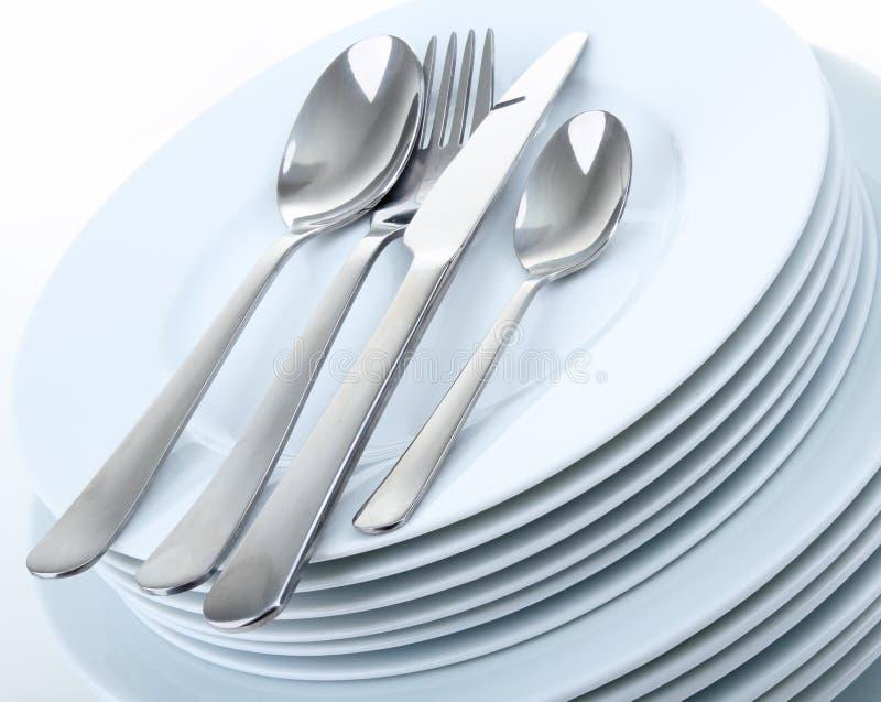 Platten und Tischbesteck lizenzfreie stockfotografie