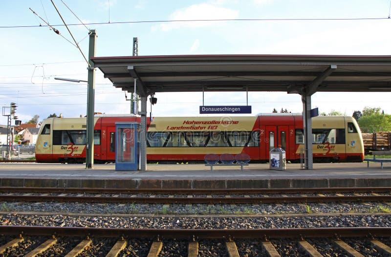 Plattform des Bahnhofs Donaueschingen, Deutschland lizenzfreies stockbild