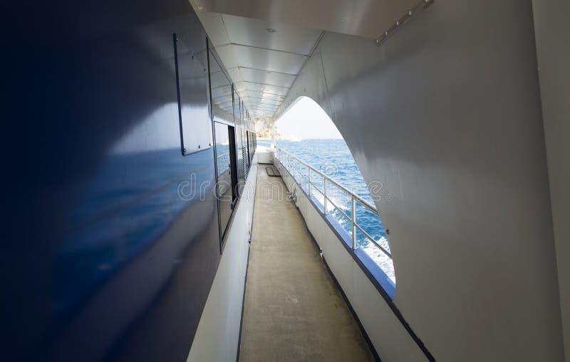 Plattform eines Schiffs stockbild