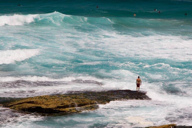 plattform surfare för rock arkivfoto