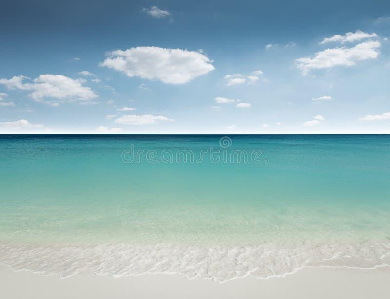 Playa arenosa hermosa foto de archivo libre de regalías