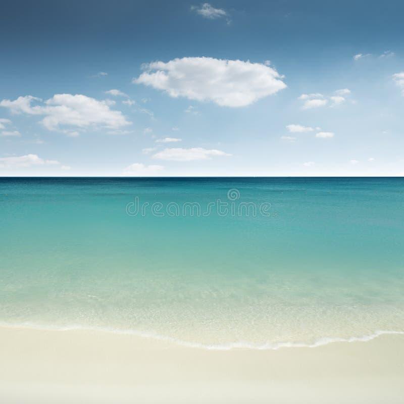 Playa arenosa hermosa imagen de archivo libre de regalías