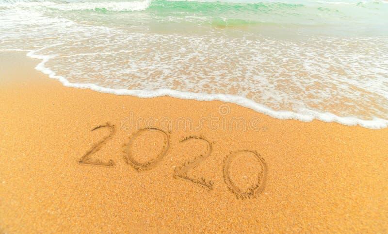 Playa arenosa hermosa y ola oce?nica azul suave fotografía de archivo libre de regalías