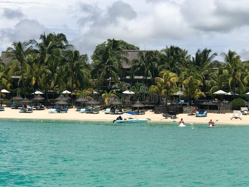 Playa arenosa tropical fotografía de archivo libre de regalías