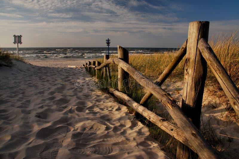 Playa báltica antes de la estación turística imagen de archivo libre de regalías