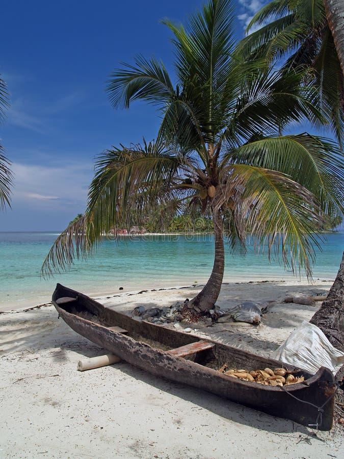 Playa blanca tropical de la arena imágenes de archivo libres de regalías