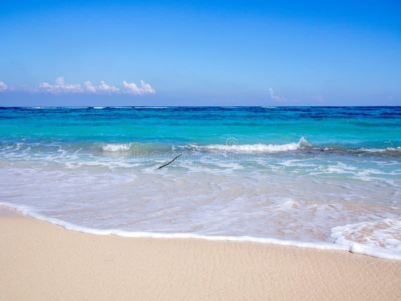 Playa cerca de Baracoa Cuba foto de archivo