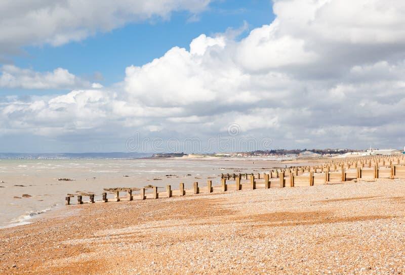 Playa cerca de Hastings, Sussex del este, Inglaterra de St Leonards imagenes de archivo